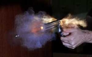330px-Bullet_coming_from_S&W